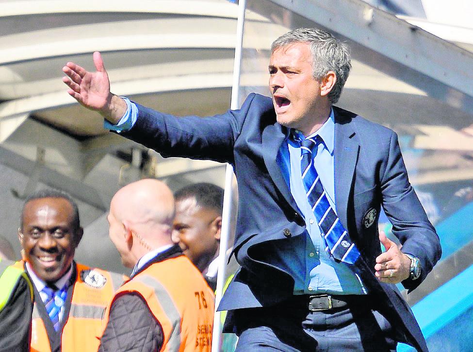 José Mourinho sigue generando polémica. (Foto Prensa Libre: Hemeroteca PL)