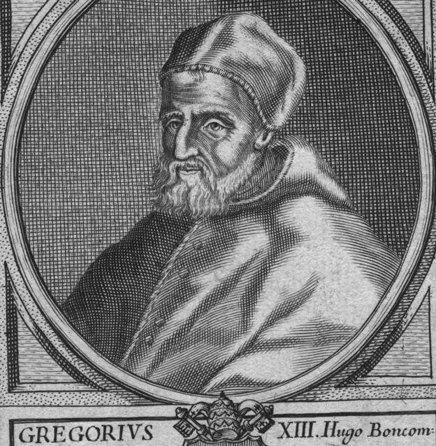El calendario gregoriano fue impulsado por el papa Gregorio XIII y por eso los países no católicos se resistieron a implementarlo. GETTY IMAGES
