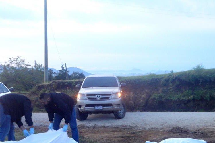 Lugar donde fueron hallados los cadáveres de dos hombres, en Santa Rosa de Lima, Santa Rosa. (Foto Prensa Libre: Oswaldo Cardona)