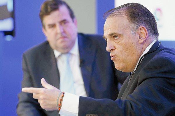 El presidente de la Liga de Futbol Profesional (LFP), Javier Tebas, participa este jueves en el EFE Fórum Deportes. (Foto Prensa Libre: EFE)