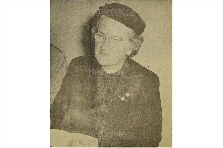 4/11/1955 Doña Rosa Castañeda de Mora es designada Mujer del Año.  (Foto: Hemeroteca PL)