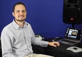 Javier Valdeavellano es el artífice del proyecto de la versión virtual de la marimba. (Foto Prensa Libre: EFE)
