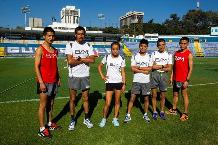 El equipo de BAM se reporta listo para competir en el medio maratón de la Max Tott, del próximo domingo. (Foto Prensa Libre: Norvin Mendoza).