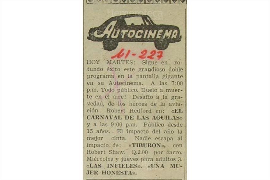 """Una de las últimas  peliculas que fueron  proyectadas en el autocinema fueron """" El carnaval de las Águilas"""" y """"Tiburon"""" el 3 de agosto de 1976.(Foto: Hemeroteca PL)"""