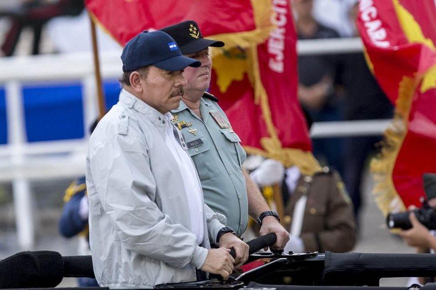 El presidente Daniel Ortega aspira a reelegirse para un cuarto mandato que comenzaría en el 2017. (Foto Prensa Libre: EFE).