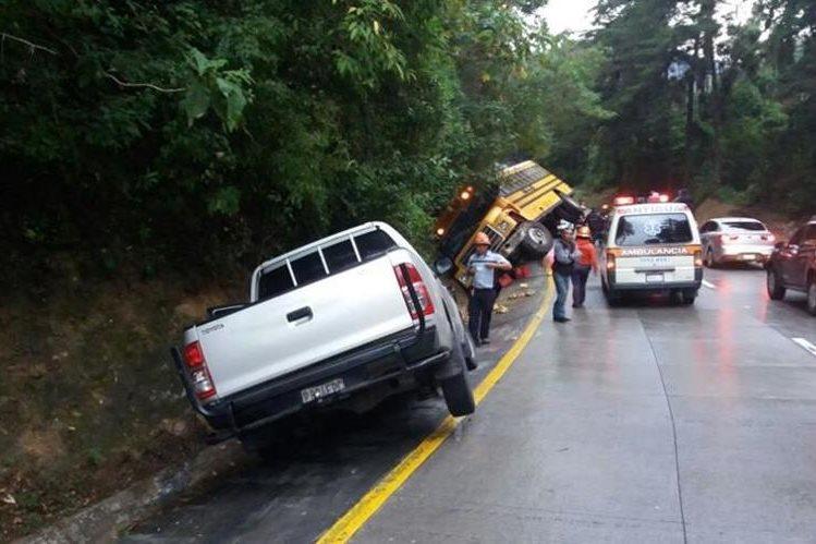Lugar donde se registraron los percances viales en la ruta a la Antigua Guatemala. (Foto Prensa Libre: Renato Melgar).