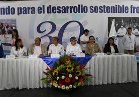 Autoridades gubernamentales participan en actividad llevada a cabo en Esquipulas. (Foto Prensa Libre: Edwin Paxtor).