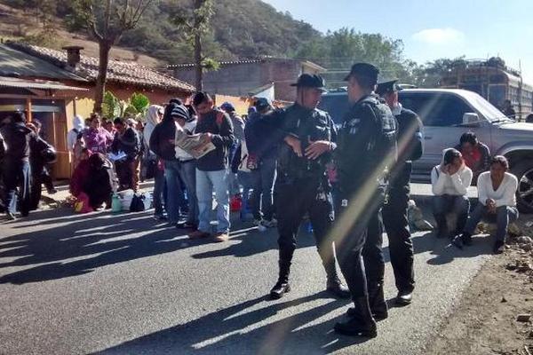 <p></p><p>Salubristas protestan en Huehuetenango. (Foto Prensa Libre: Mike Castillo)</p>