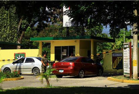 Las instalaciones de la 105 Brigada en San Pedro Sula, donde permanecen detenidos el excoordinador de fiscales. (Foto: tomada de Diario La Prensa)