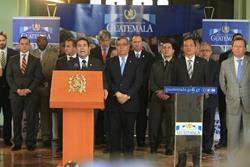 El presidente Jimmy Morales durante conferencia de prensa para pronunciarse por ataques a la PNC. (Foto Prensa Libre: Esbin García)