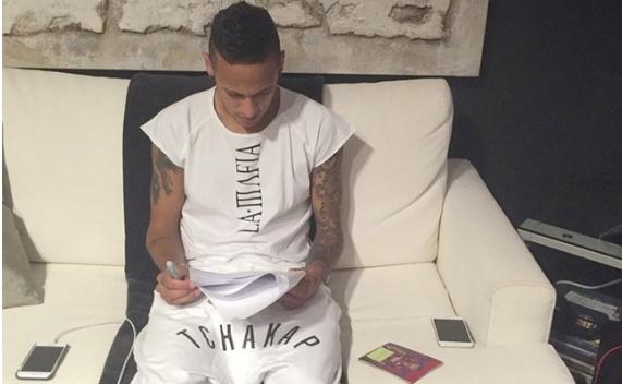 Neymar escribe a sus admiradores rusos y agradece el apoyo. (Foto Prensa Libre: Fifa)