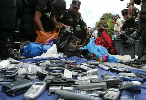 Celulares robados recuperados por la PNC. (Foto Prensa Libre: Archivo)