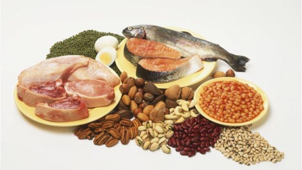 Carne, huevo, pescado pero también legumbres y nueces. Todos ellos son alimentos ricos en proteínas. (GETTY IMAGES)