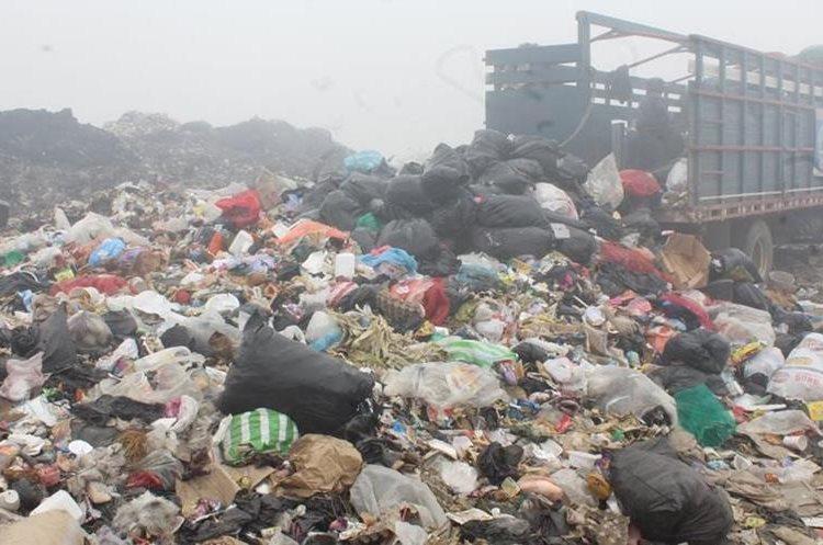 Xelajú produce aproximadamente 140 toneladas de basura al día. (Foto Prensa Libre: María Longo)