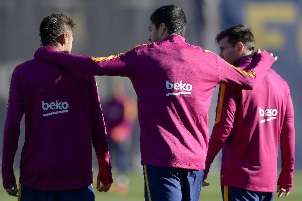 Del tridente del Barcelona: Neymar (izquierda), Luis Suárez (centro) y Messi, solamente el primero será titular contra el Athletic. (Foto Prensa Libre: AFP)