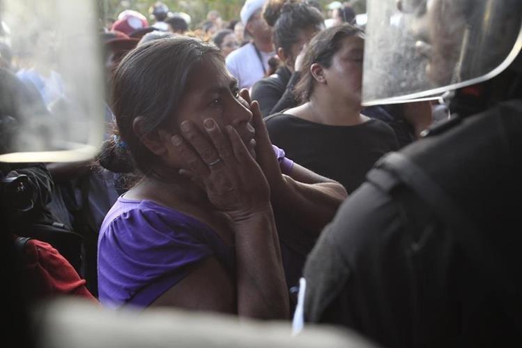 Tragedia en Hogar Seguro dejó como saldo 40 menores fallecidas y varias heridas. (Foto Prensa Libre: Carlos Hernández)