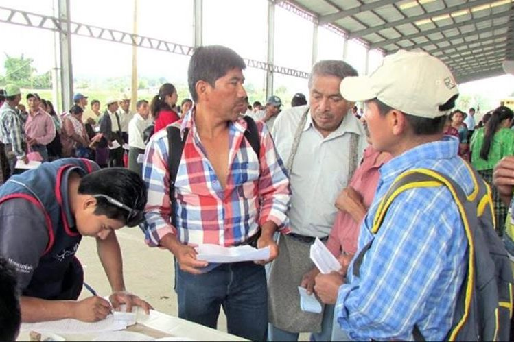 El Maga volverá a entregar un cupón de Q200 a agricultores que estén registrados en el Censo Agrícola. (Foto Prensa Libre: Hemeroteca)