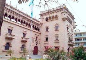 Edificio que actualmente ocupa el Ministerio de Gobernación. (Foto Prensa Libre: Hemeroteca PL)
