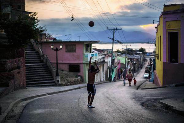 Vista de Santiago de Cuba tomada hoy.   (Foto PL-AP)