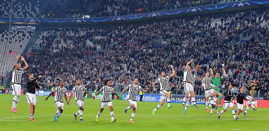 Los jugadores de la Juve aspiran el volver a celebrar en la Serie A y salir de la mala racha. (Foto Prensa Libre: EFE)