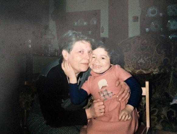 El amor de su madre adoptiva, María José, fue muy grande hacia Magnée.