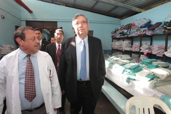 El vicepresidente Electo justificó el hecho de que aún no nombran el Gabinete de Gobierno. (Foto Prensa Libre: Edwin Bercián)