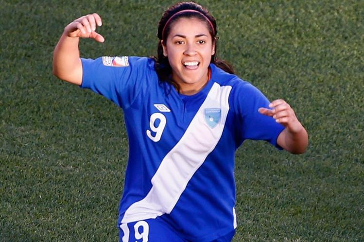 Ana Lucía Martínez sigue demostrando que está hecha para ser una goleadora. (Foto Prensa Libre: Hemeroteca)