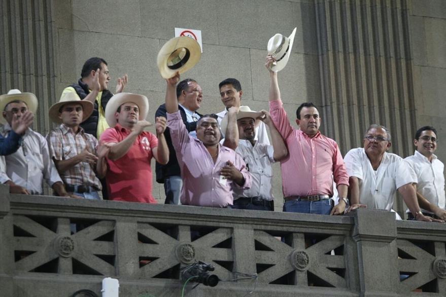 Ganaderos estuvieron en el palco mientras diputados discutieron la iniciativa de ley de simplificación tributaria. (Foto Prensa Libre: Érick Ávila).