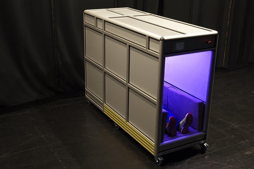 """luces led con distintas tonalidades incluye la """"máquina de los abrazos"""" que libera el estrés."""
