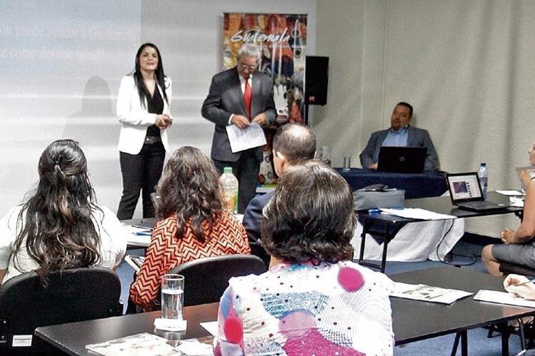 Aspectos del seminario sobre acreditaciones médico-hospitalarias internacionales, promovida por las autoridades turísticas del país para atraer extranjeros que necesitan algún tratamiento médico.