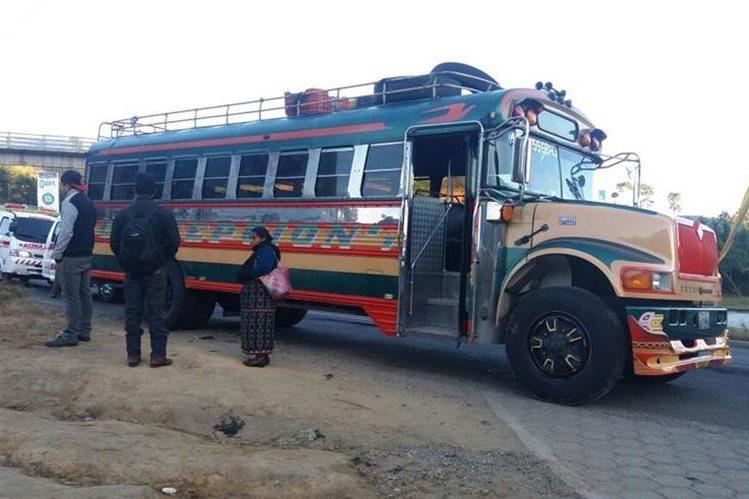 Autobús en el que ocurrió el ataque, perpetrado en Sumpango, Sacatepéquez, se dirigía de Sololá hacia la capital. (Foto Prensa Libre: Víctor Chamalé)