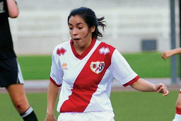 Ana Lucía Martínez disputó un juego amistoso con el Rayo Vallecano durante su fase de prueba. (Foto Prensa Libre: Cortesía Ana Lucía Martínez)