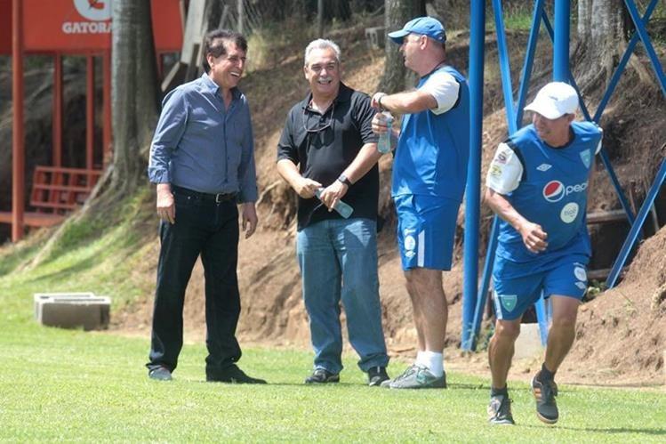 El expresidente de la Federación de Futbol Brayan Jiménez, firmó un contrato con el técnico argentino Iván Sopegno por Q2.7 millones para dirigir a la Selección Nacional. (Foto Prensa Libre: Hemeroteca)
