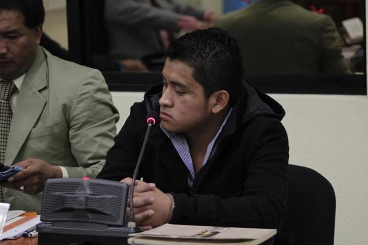 Marinz Michael Camacho Pérez es sindicado en Xela de haber participado en la muerte de su cónyuge, de 17 años. (Foto Prensa Libre: María J. Longo)