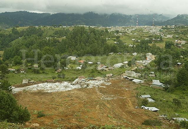 El cantón Cua, Tacaná, San Marcos fue soterrado por un alud en 2005 emergencia por la tormenta Stan. (Foto: Hemeroteca PL)