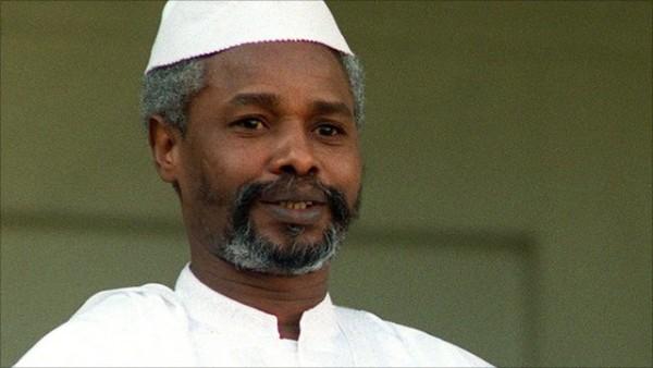 Hissne Habré fue condenado el lunes a cedena perpetua.(AP).
