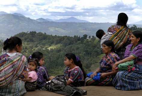 El reglamento reconoce la importancia de los idiomas maternos en la población guatemalteca.