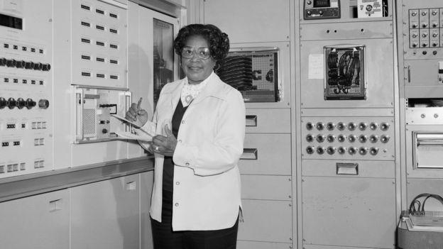Mary Jackson trabajó en Langley la mayor parte de su vida y se convirtió en la primera ingeniera aeronáutica de color de la NASA. NASA