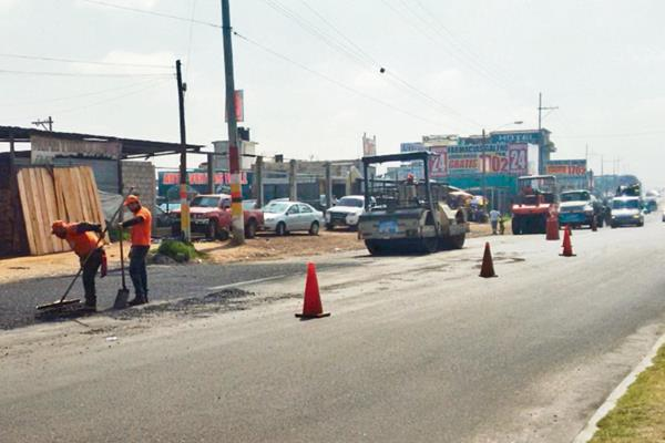 Los trabajos se retomaron   por tres días en la zona 7, pero fueron abandonados de nuevo. (Foto Prensa Libre: Alejandra Martínez)