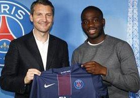Ikoné juega de mediocampista y probará suerte en el equipo mayor del PSG. (Foto Prensa Libre: PSG.FR)