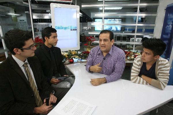 Rodolfo mendoza y Gustavo Díaz hablan en Diálogo Libre sobre cómo promover en  redes sociales  pequeñas acciones para cambiar el mundo.