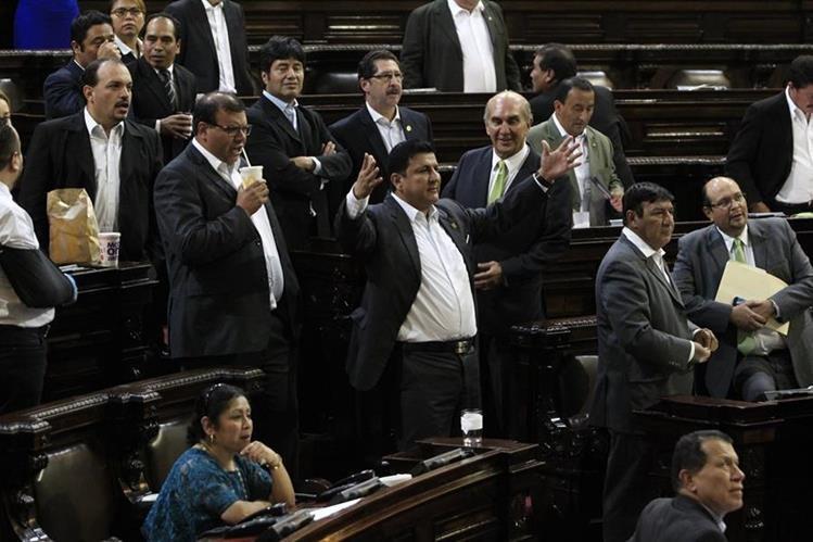 Los representantes formaron un solo bloque para votar a favor de sus intereses personales. (Foto Prensa Libre: Hemeroteca PL)