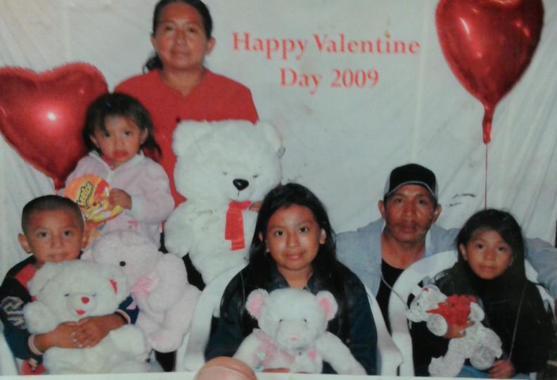 La familia Quiej hace varios años. (Foto Prensa Libre: Univisión.com)