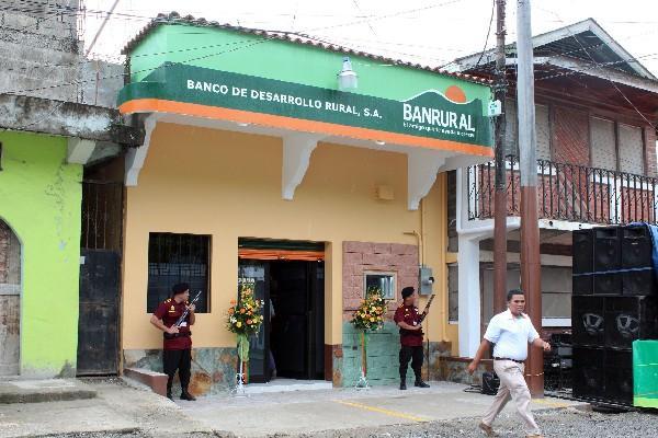 Banco beneficia a porte os for Oficinas de banco financiero