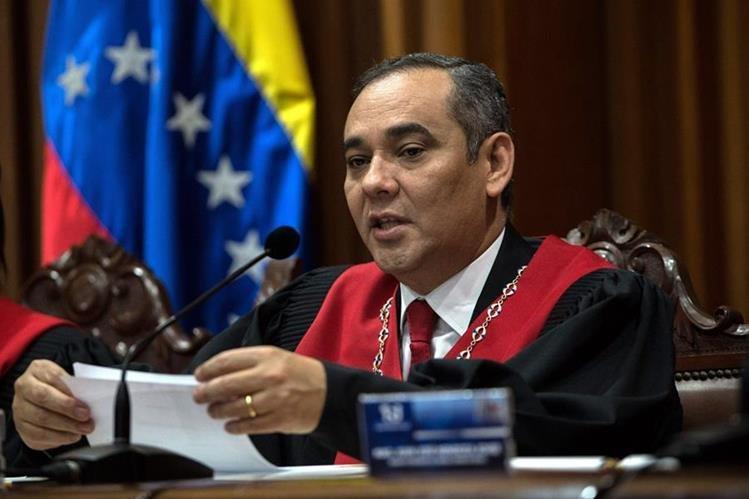 Impone sanciones a ocho magistrados del Tribunal Supremo venezolano