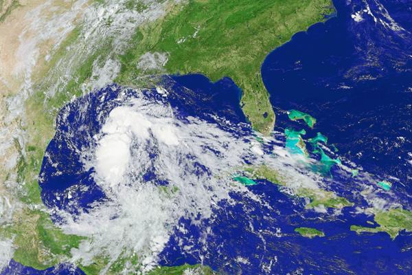 """Desplazamiento de la tormenta """"Bill"""" en el Golfo de México, que amenaza a Texas."""