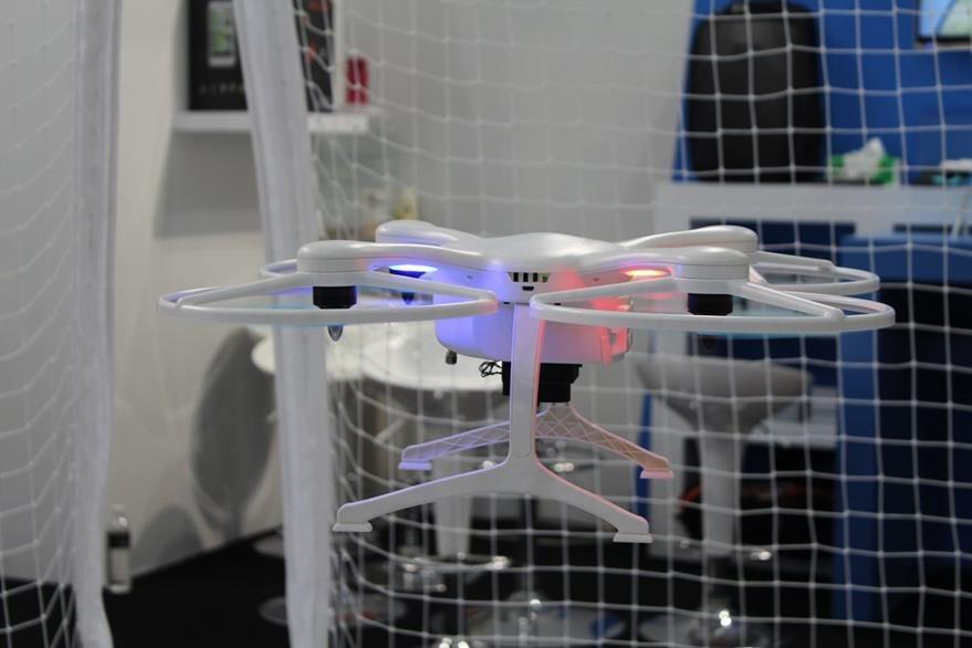 GhostDrone 2.0 es un dron inteligente que graba video en 4k e incorpora un sensor de 12 MP. (Foto Prensa Libre: Cristian Dávila).