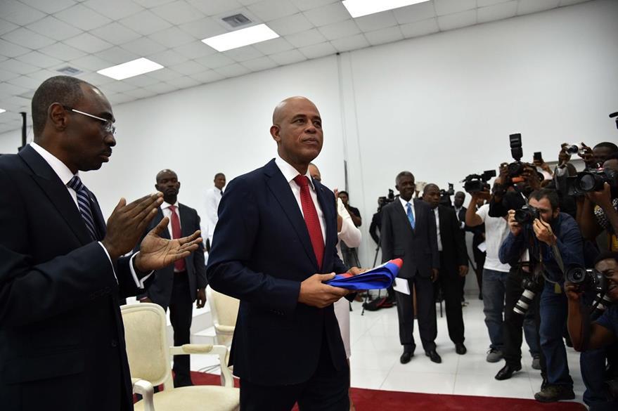 Michel Martelly deja la presidencia de Haití al vencer el plazo constitucional, pese a que no ha sido electo su sucesor. (AFP)