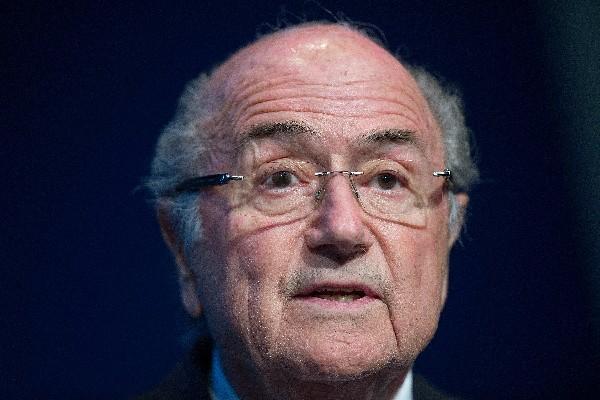 Joseph Blatter afirmó que no pensaba dejar la presidencia hasta el 26 de febrero. (Foto Prensa Libre: Hemeroteca PL)
