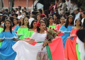 Desfiles recorren distintas ciudades del país<br />